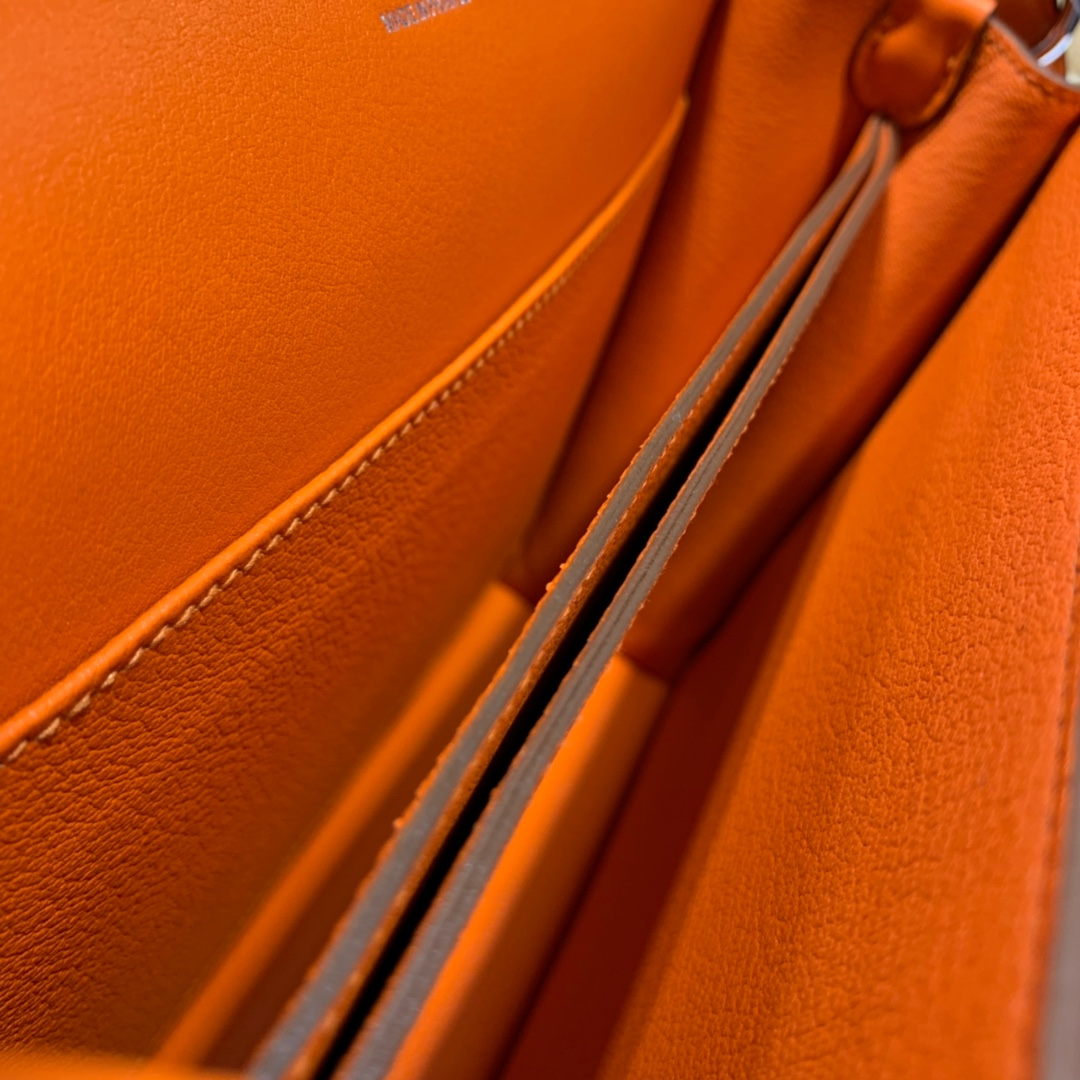 Hermes Roulis24M 爱马仕橙色原厂Swift皮猪鼻子包单肩斜挎包 银扣