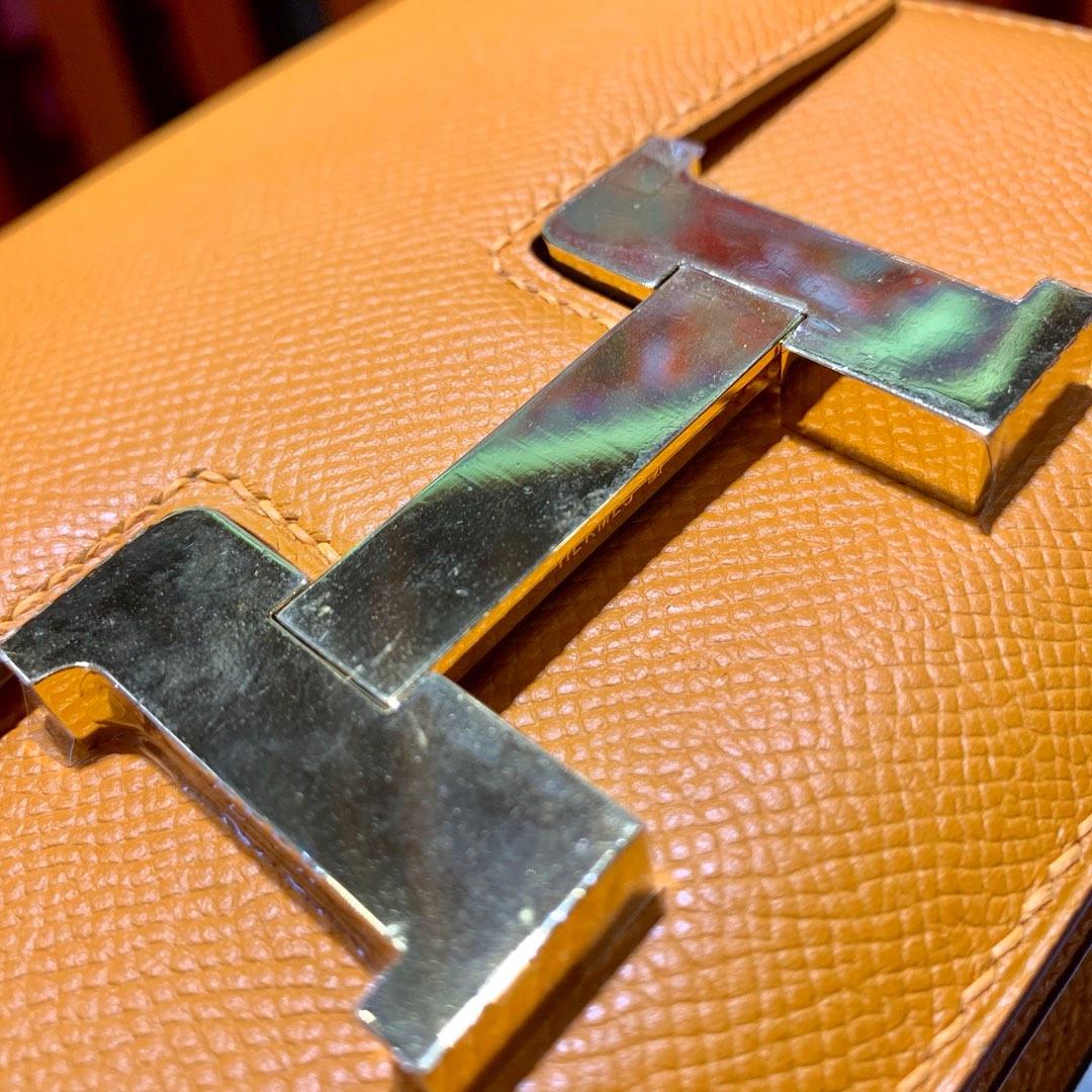爱马仕空姐包价格 Hermes杏黄色掌纹牛皮康斯坦包Constance19CM 金扣