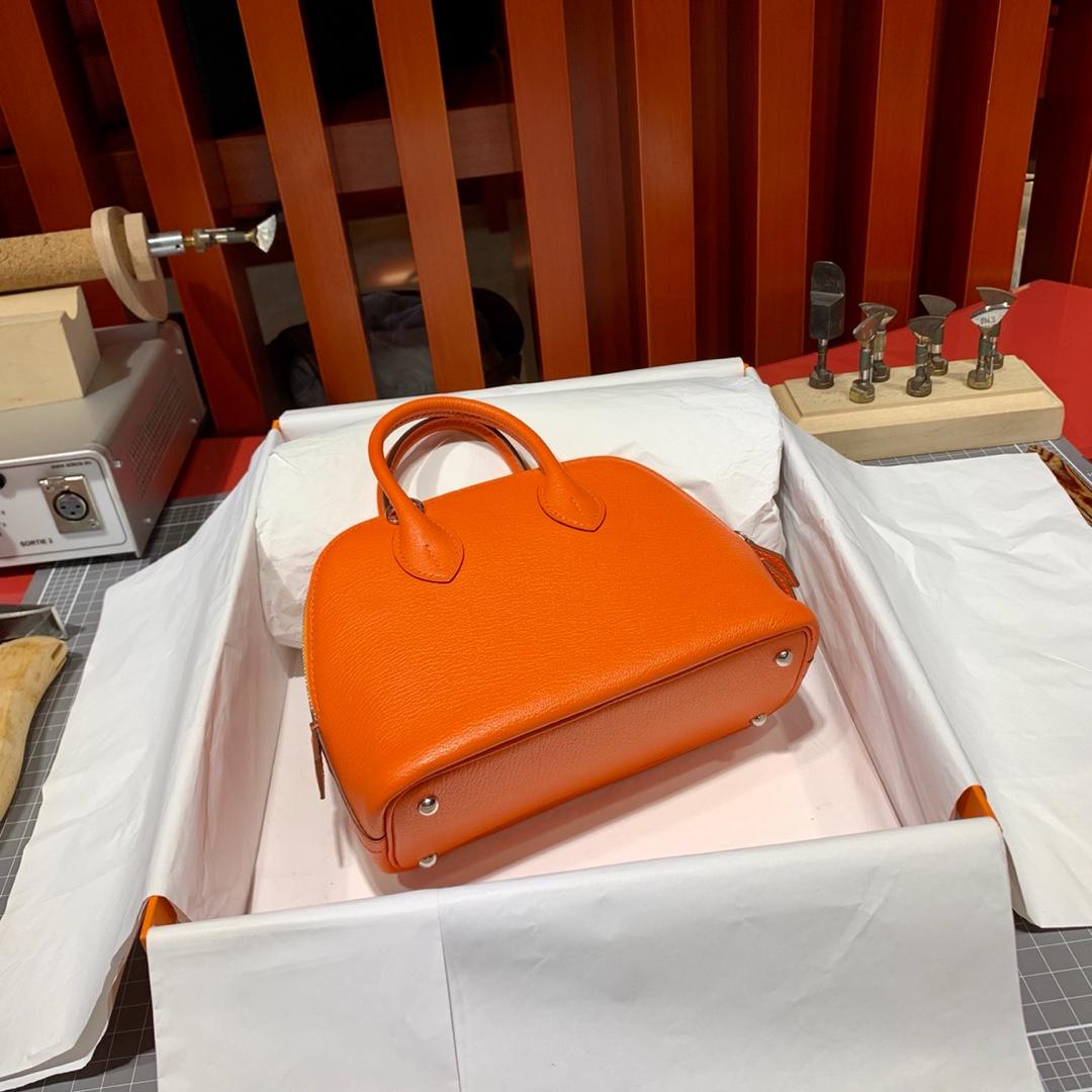 Hermes包包批发 爱马仕Mini Bolide迷你保龄球包 火焰橙Evercolor皮 银扣