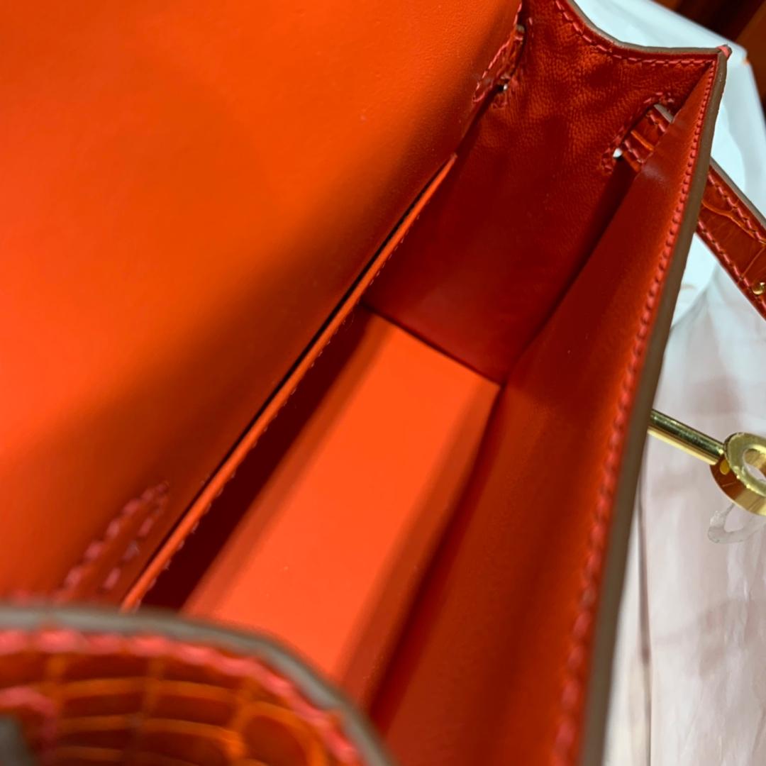 爱马仕迷你凯莉包2代 Hermes Minikelly19CM 火焰橙亮光鳄鱼皮 金扣