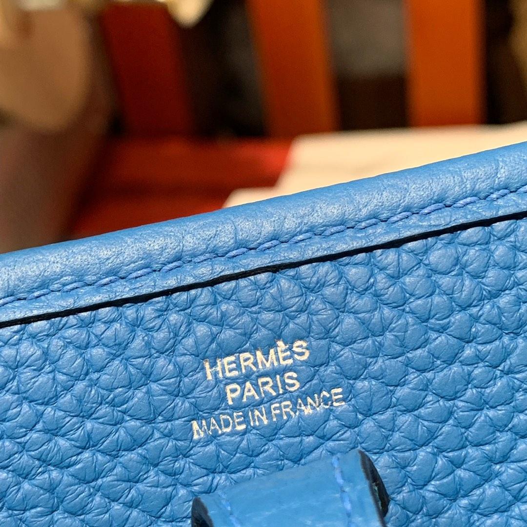 爱马仕伊芙琳包价格 Hermes Mini Evelyne17CM 坦桑尼亚蓝TC牛皮 银扣