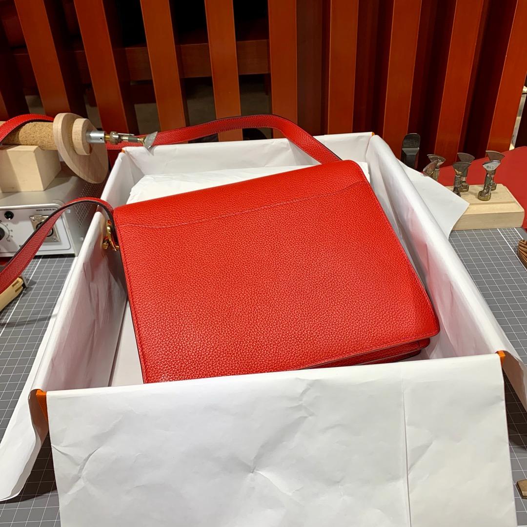 Hermes包包价格 爱马仕原厂Evercolor皮猪鼻子包Roulis24CM 中国红 金扣
