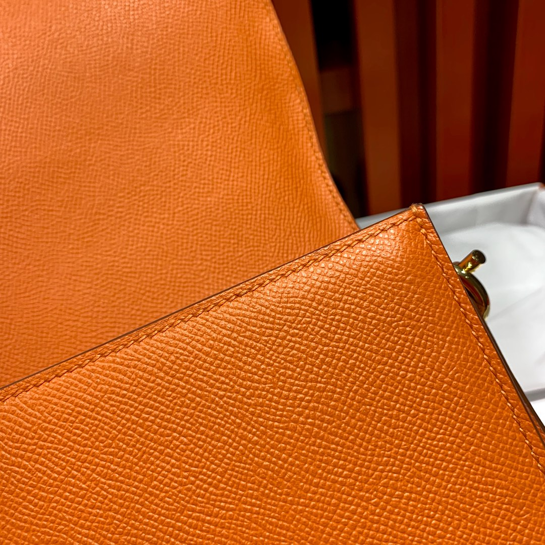 爱马仕包包官网 Hermes Roulis24cm 橙色十字纹牛皮猪鼻子包 金扣