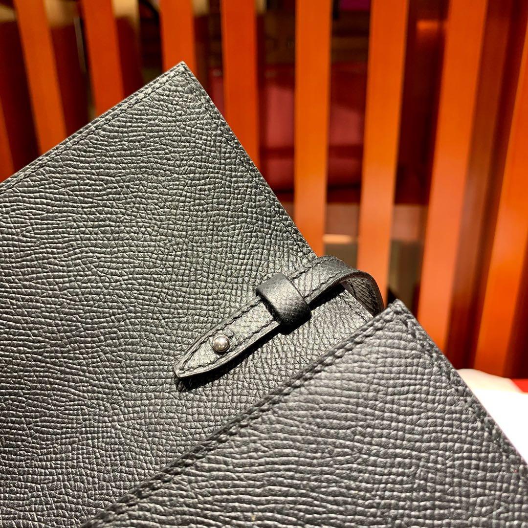 Hermes新款包包 爱马仕89黑色原厂Epsom皮Clic克利奇女包16CM 银扣