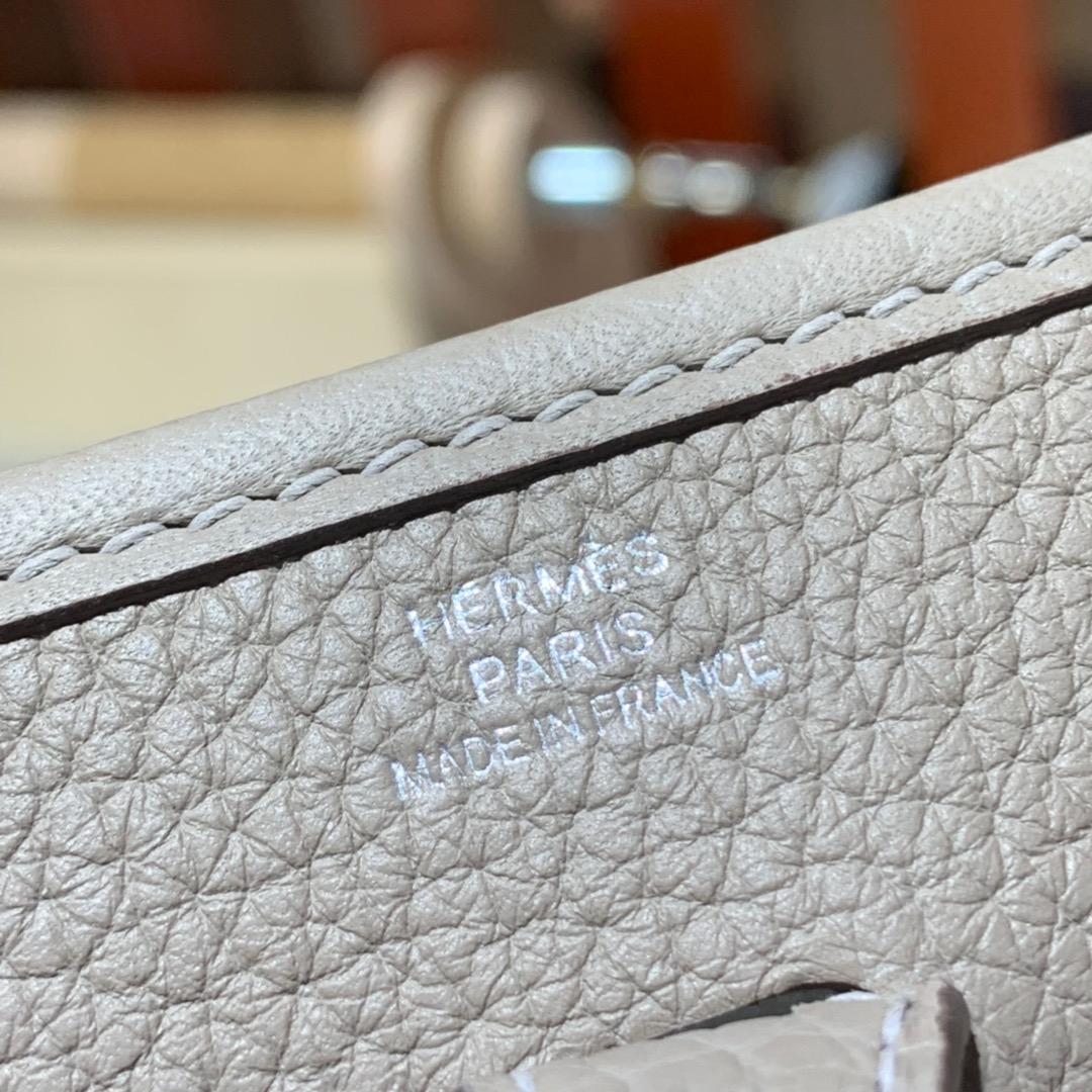 爱马仕伊芙琳包价格 Hermes Mini Evelyne17CM 沥青灰 TC牛皮 银扣