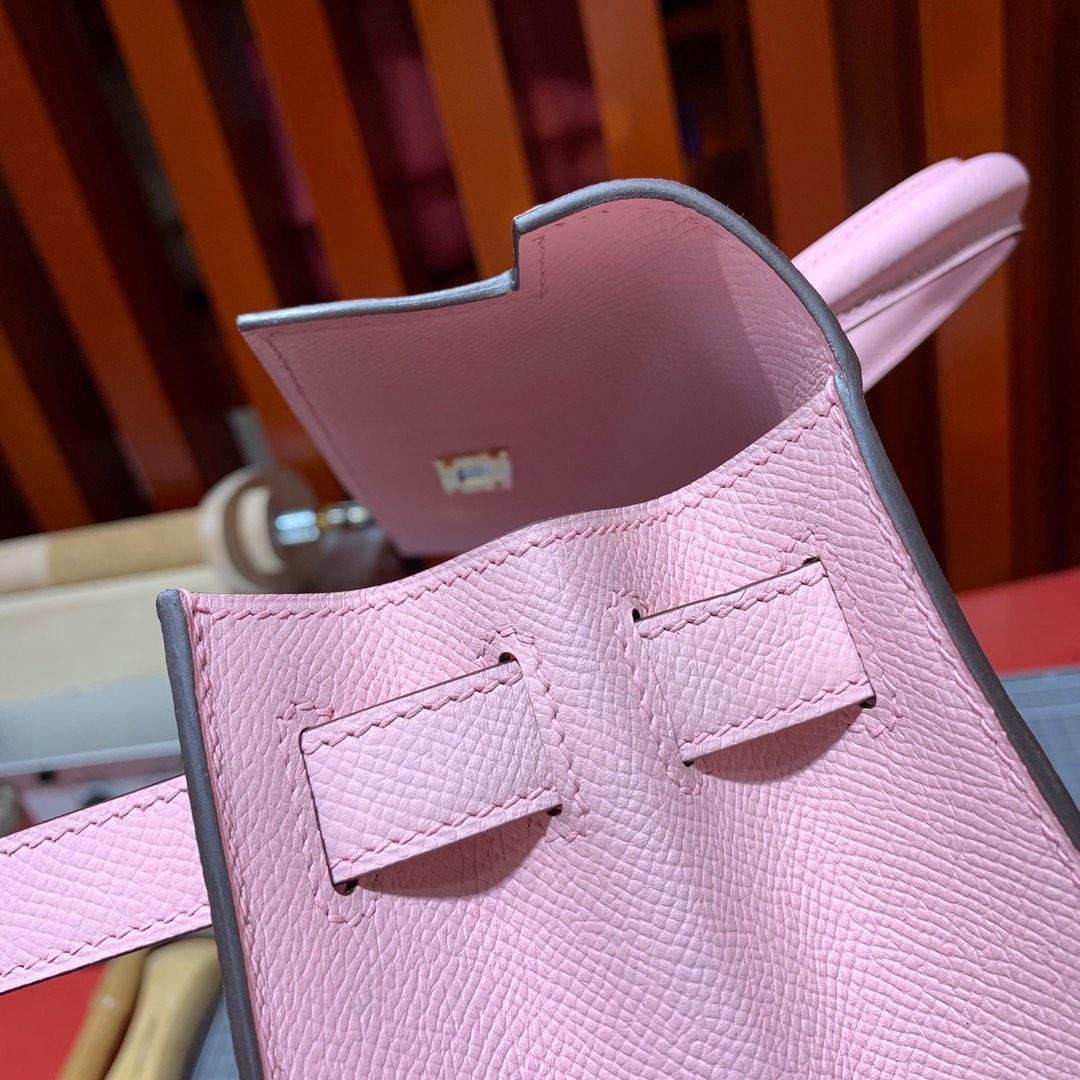 Hermes Kelly28CM 爱马仕3Q芭比粉掌纹牛皮外缝凯莉包 金扣