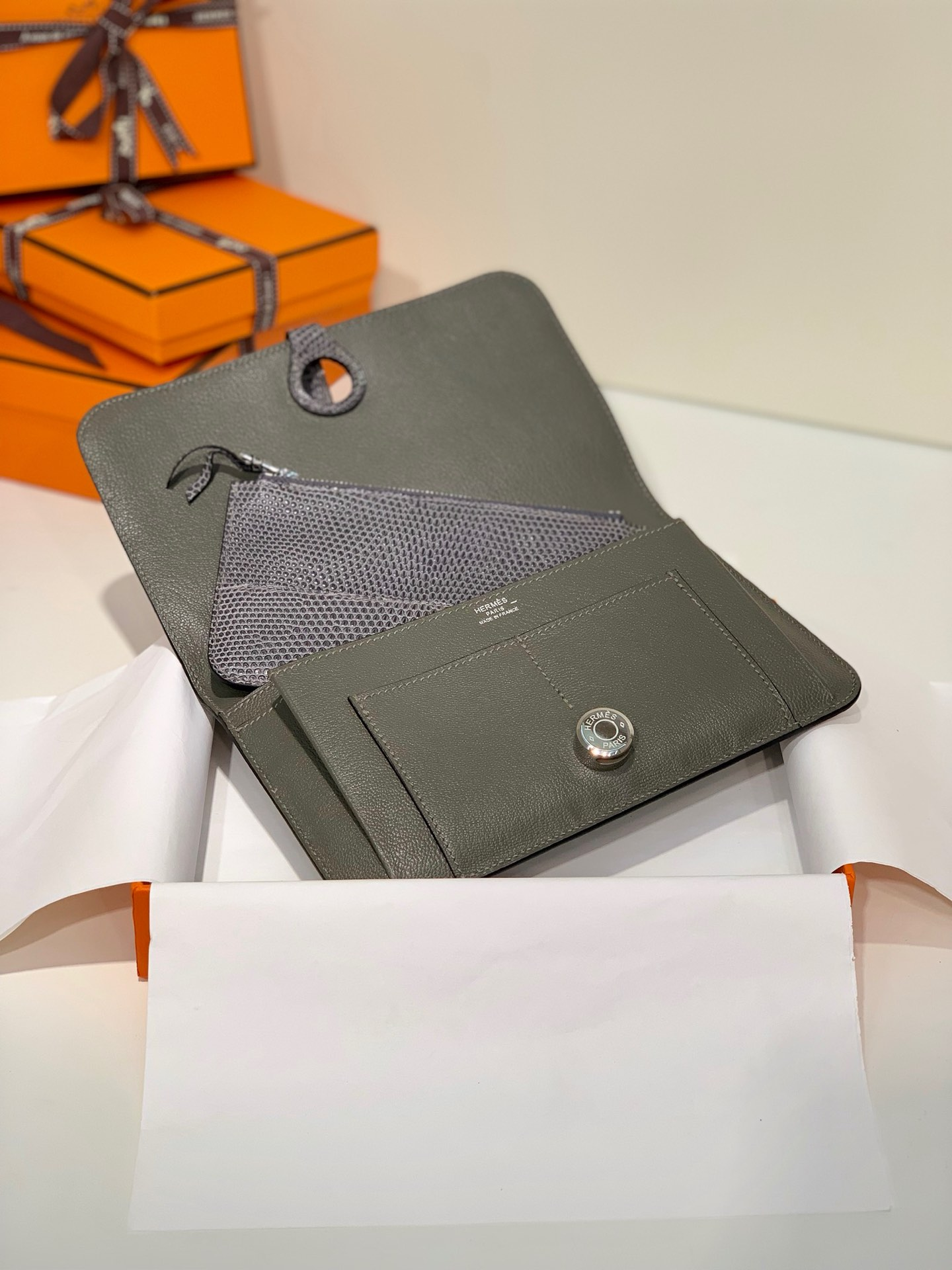 爱马仕Dogon护照本手包 Hermes铁灰色顶级蜥蜴皮钱包卡包 银扣