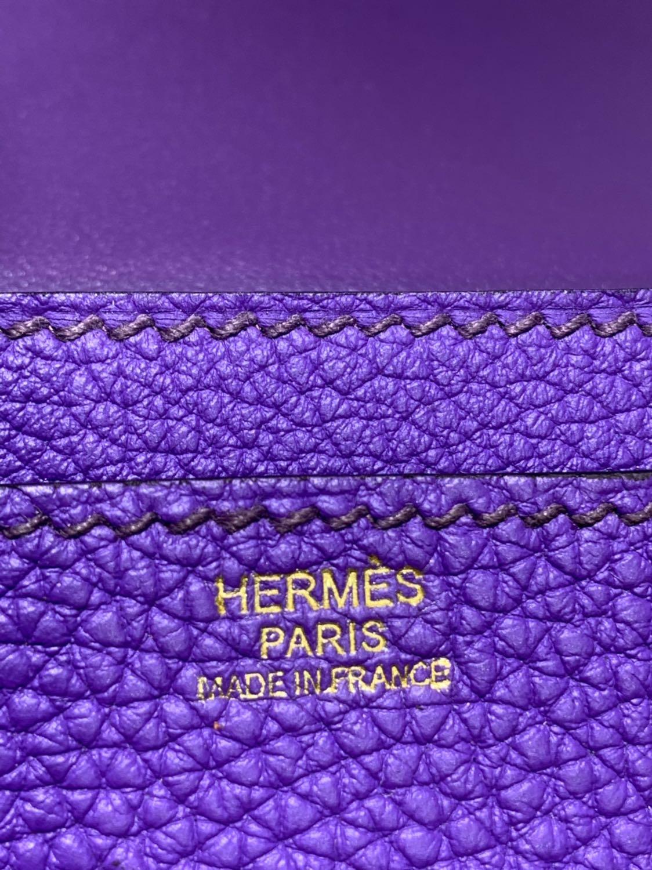 广州包包批发 Hermes爱马仕梦幻紫Togo牛皮Dogon护照本钱夹 金扣