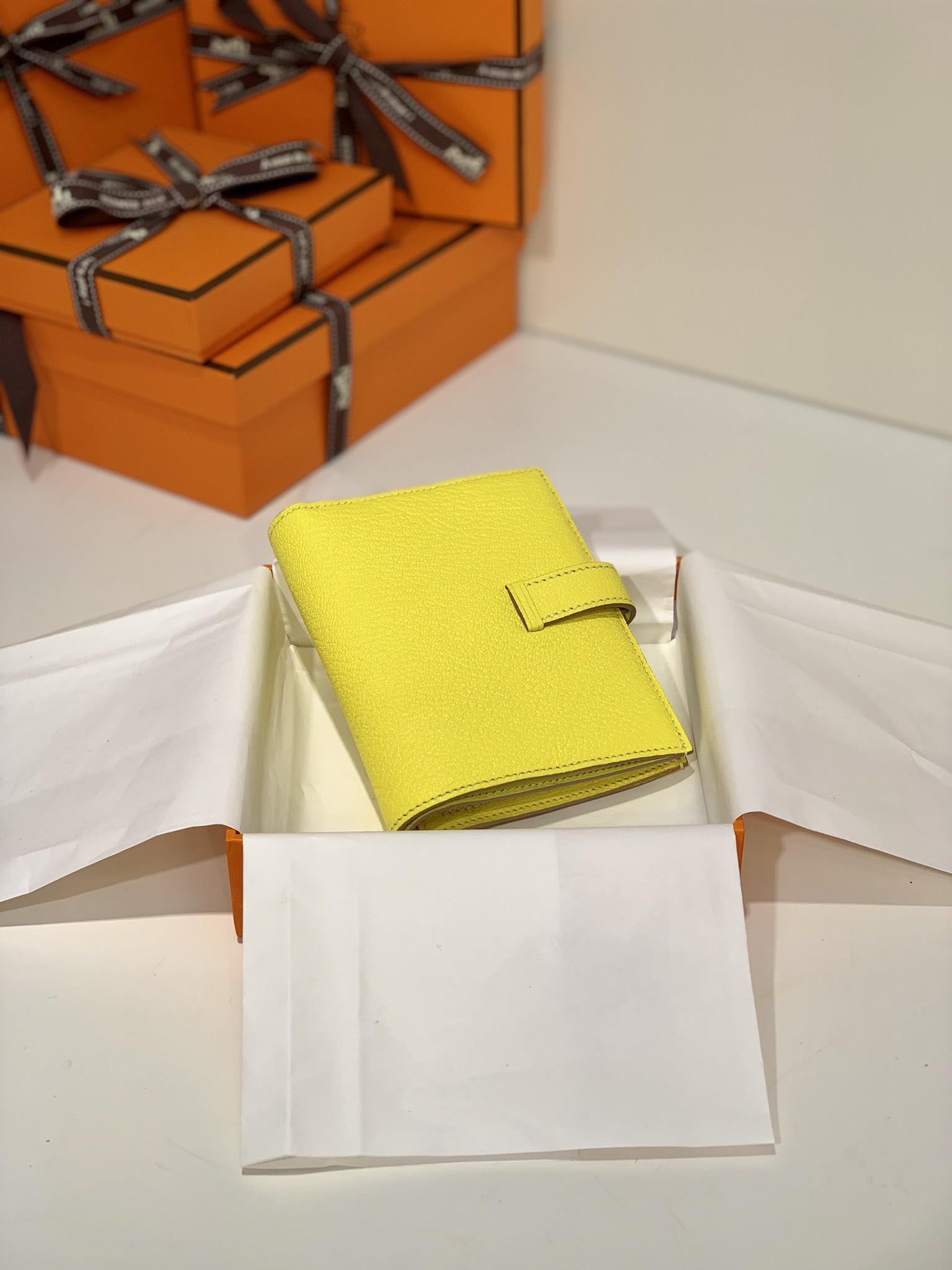 Hermes钱包批发 爱马仕进口山羊皮Bearn钱夹短款 柠檬黄银扣