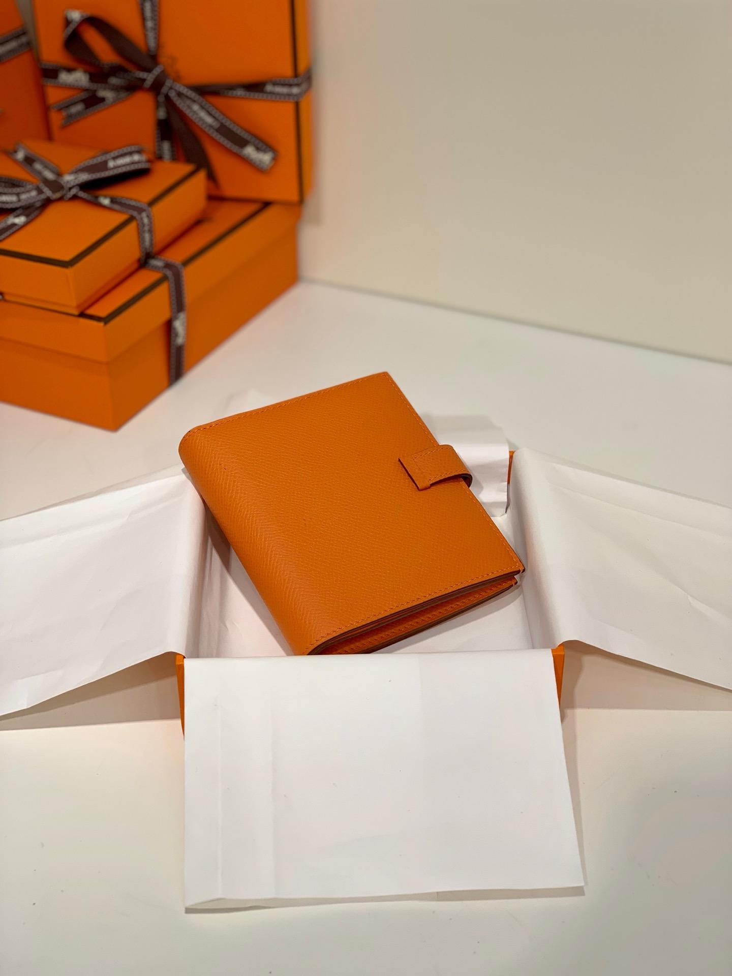 现货 Hermes Bearn钱包 爱马仕掌纹牛皮经典短款钱夹 橙色金扣