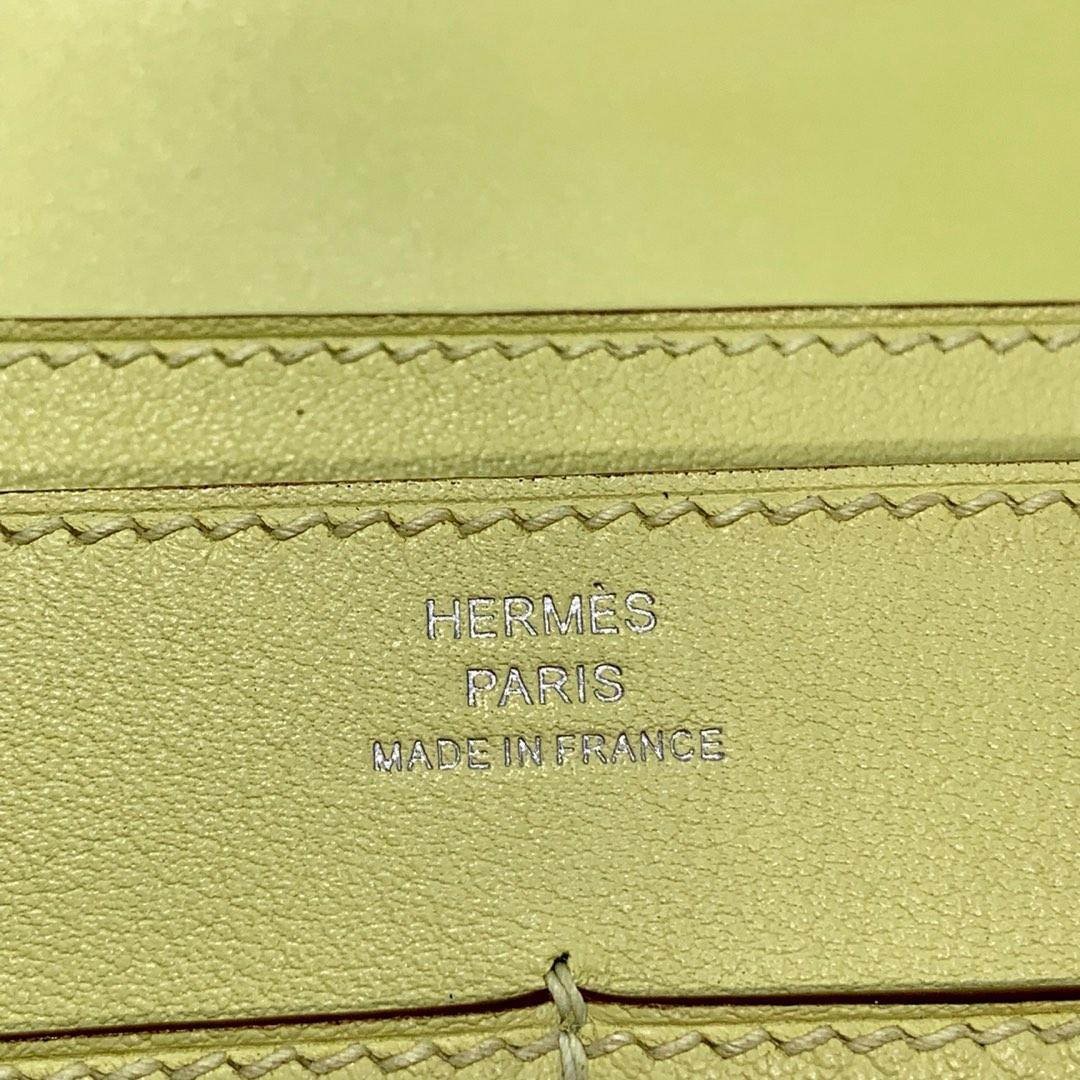 Hermes新款钱包 爱马仕小鸡黄顶级Swift牛皮Dogon手包护照本 银扣