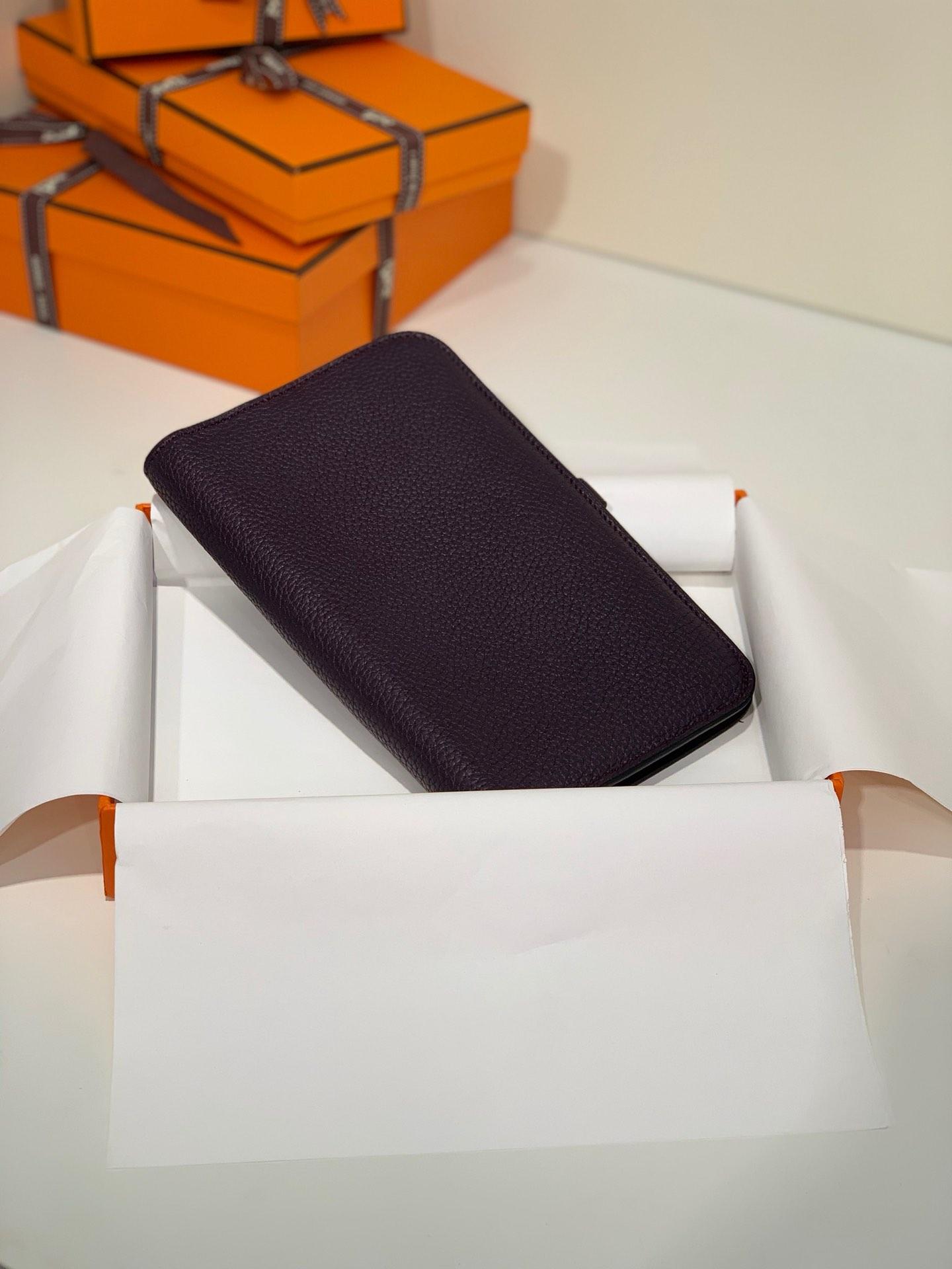 Hermes钱包批发 爱马仕荔枝纹牛皮Dogon护照本钱夹卡包 葡萄紫 银扣