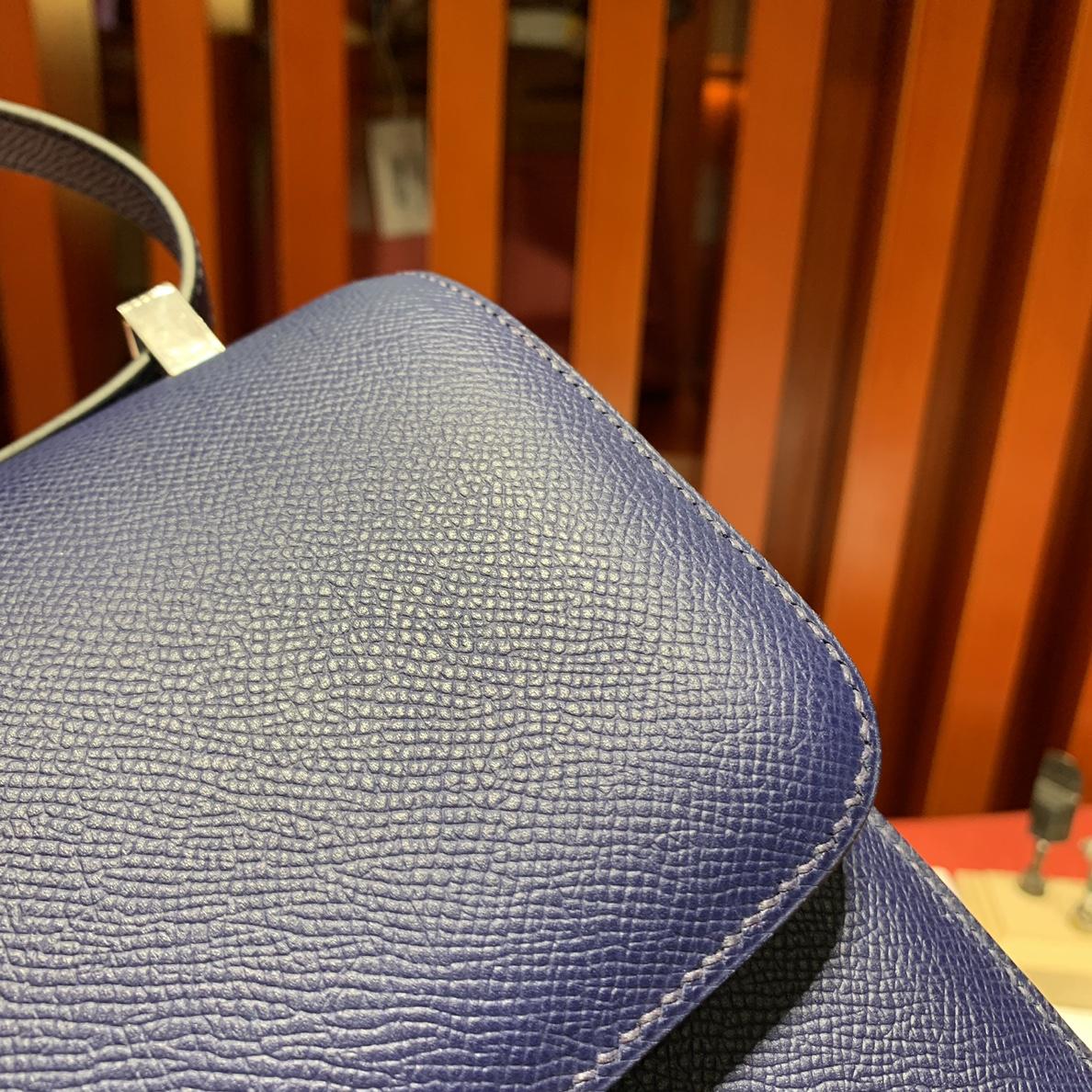 现货 Hermes包包批发 爱马仕宝石蓝掌纹牛皮康斯坦包Constance24CM 银扣