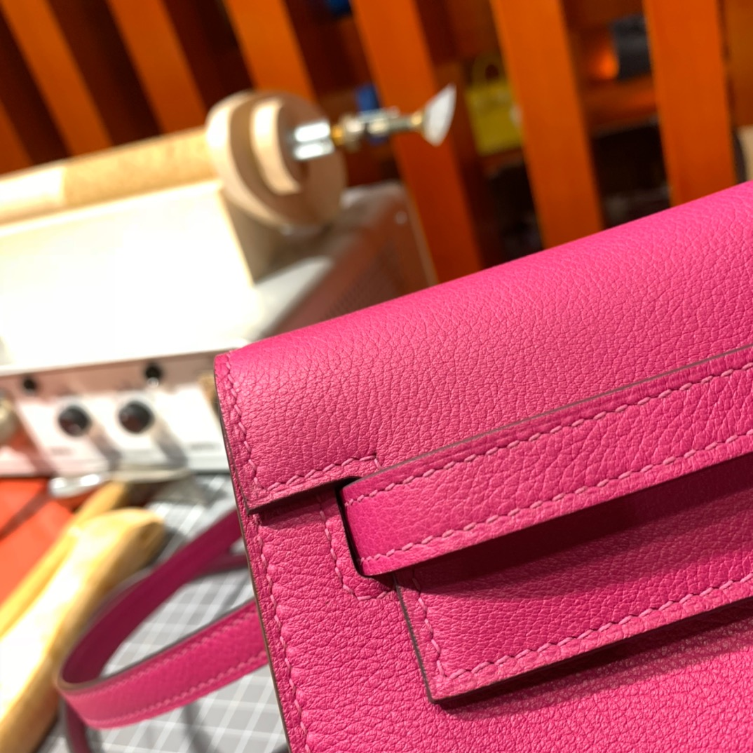 爱马仕女包价格 Hermes Kelly Danse L3玫瑰紫进口Evercolor皮背包