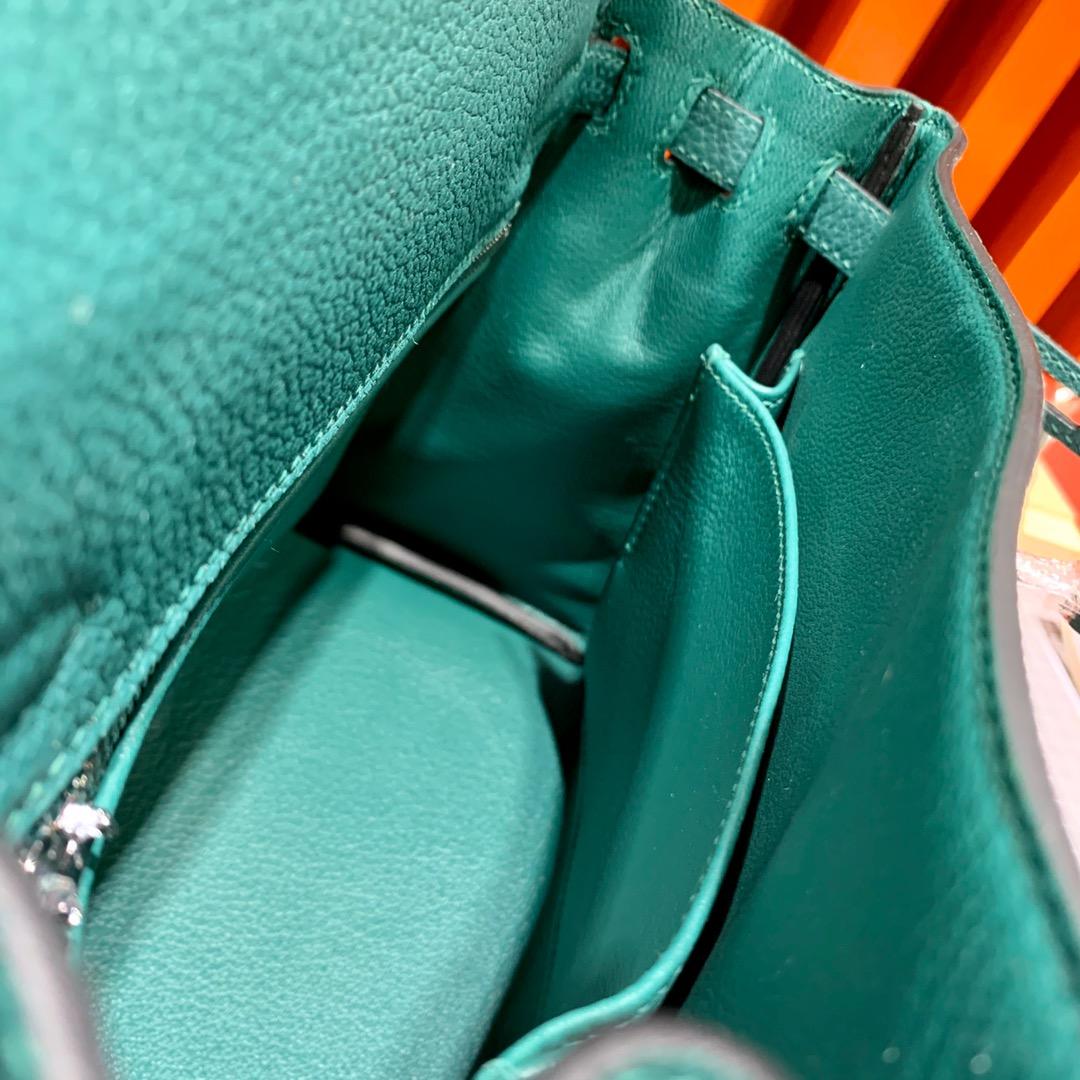 现货 爱马仕凯莉包尺寸 Hermes Kelly25cm Z6孔雀绿Togo皮 银扣