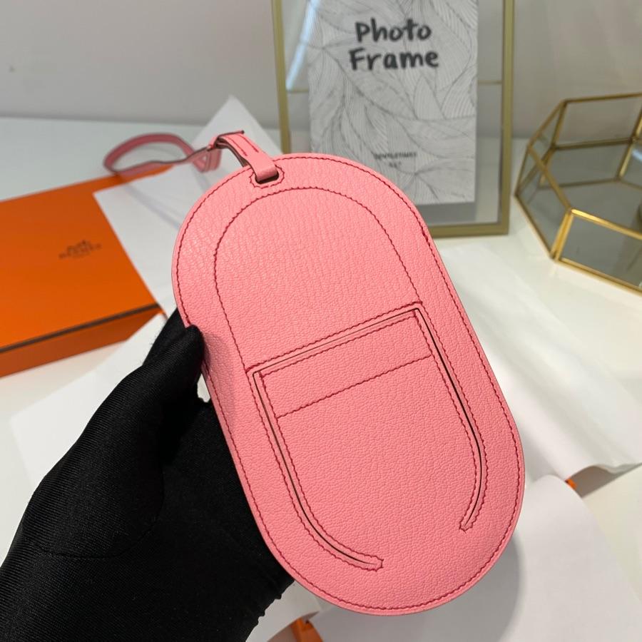 现货 爱马仕新款挂饰 Hermes粉色新款World B女款包包挂件