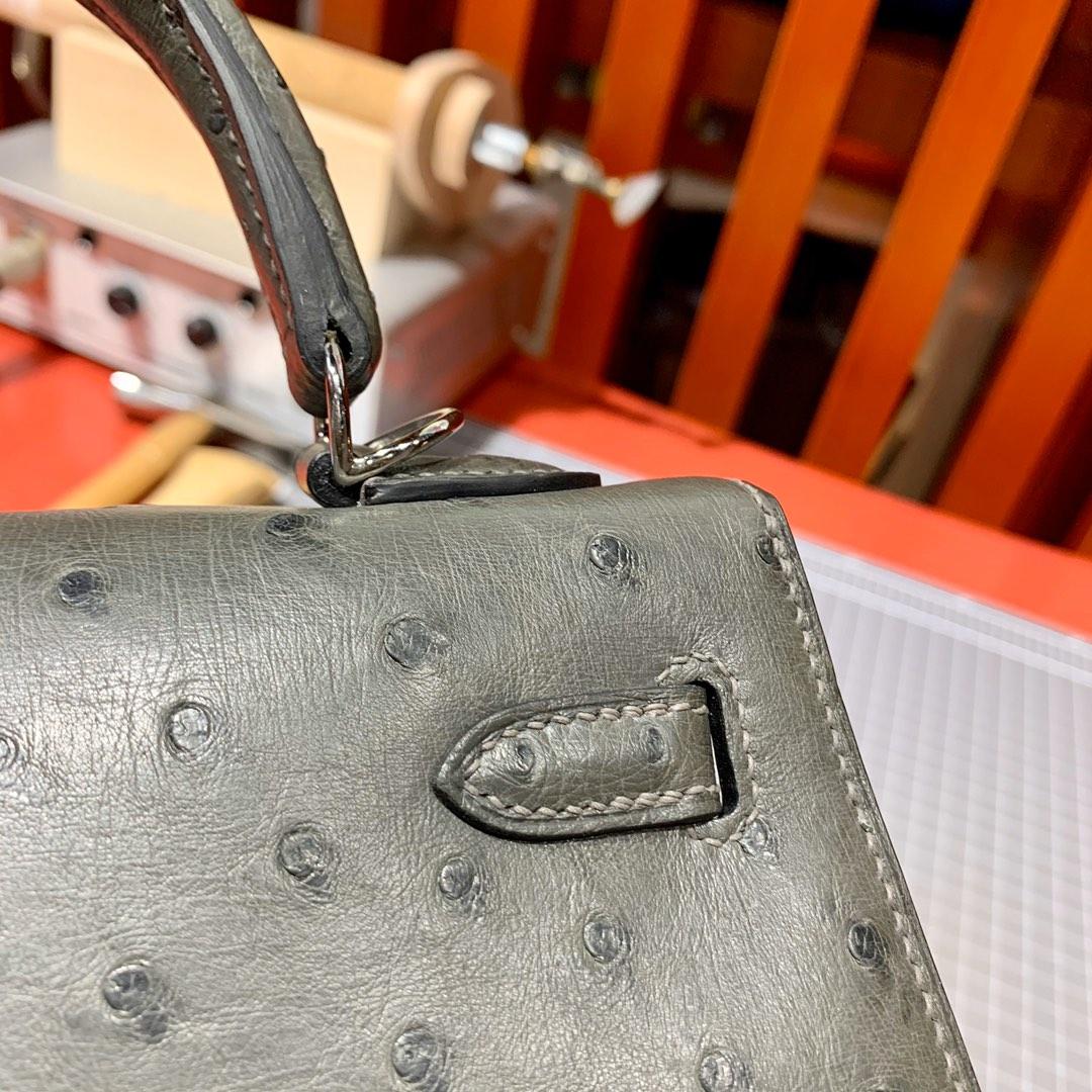 爱马仕凯莉包批发 Hermes Kelly25cm 铁灰KK鸵鸟皮 银扣
