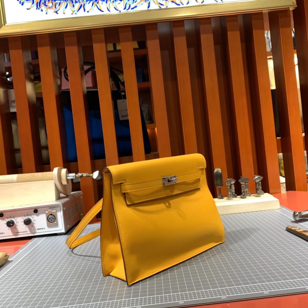 爱马仕Kelly Danse背包 Hermes顶级Swift牛皮 9V太阳黄新款包包