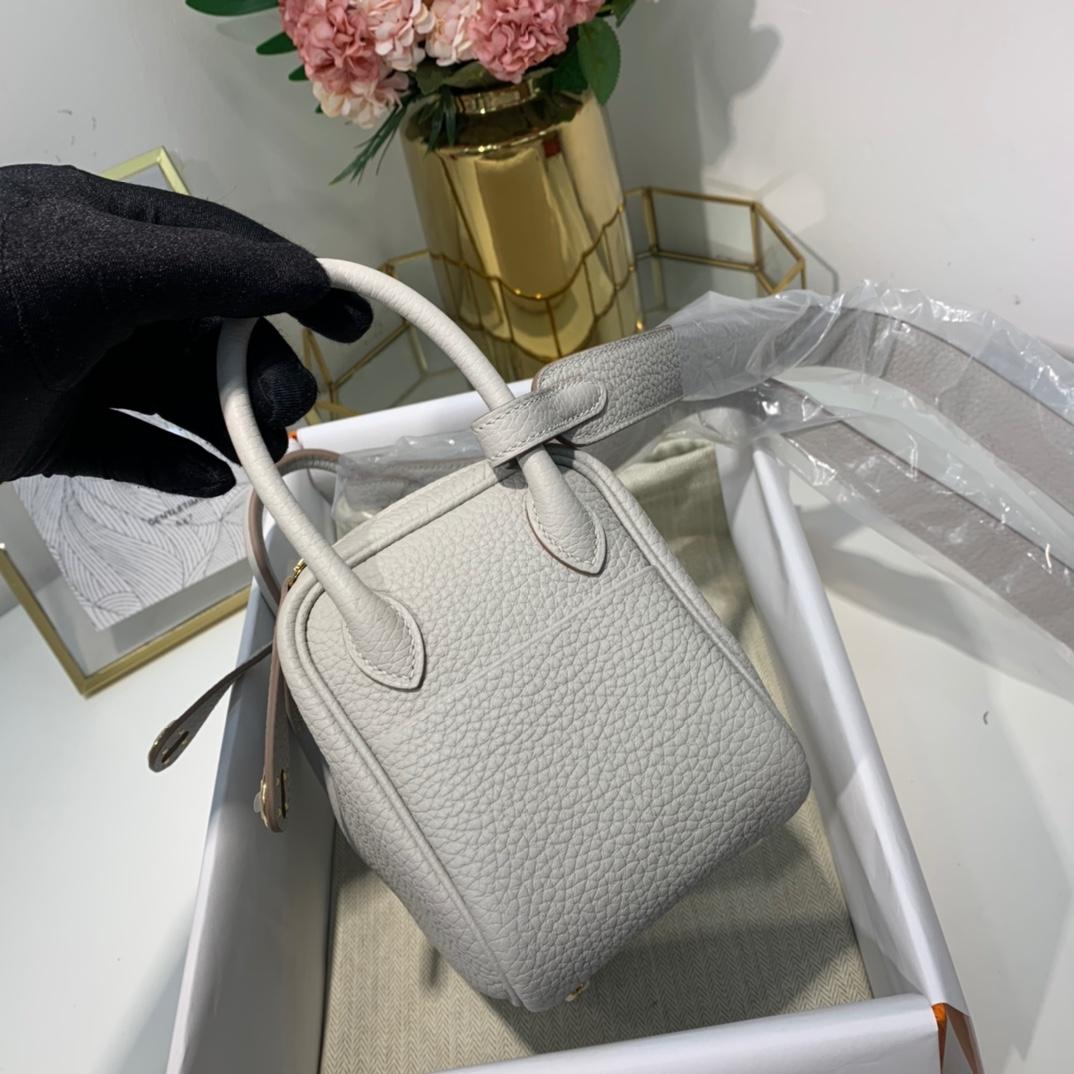 现货 Hermes包包批发 爱马仕珍珠灰顶级TC牛皮Mini Lind19cm迷你琳迪包 金扣
